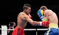 """البطل """"ربيعي"""" يفوز على منافسه الهنغاري  بالضربة القاضية في أولى نزالاته الإحترافية"""