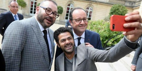 """سيلفي """"جمال دبوز"""" والملك وهولاند  يغزو مواقع التواصل الاجتماعي"""